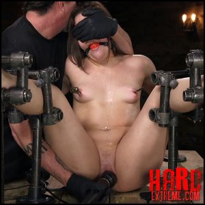 Big Booty Bitch Gets Beat Down – HD-720p, Fingering, Metal Bondage, leather (Release May 04, 2018)