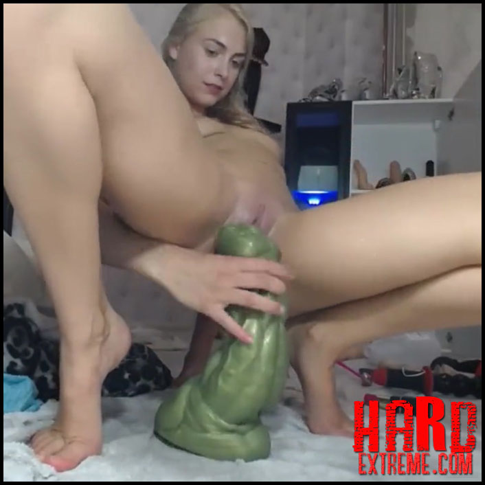 Big Tits Riding Dildo Webcam