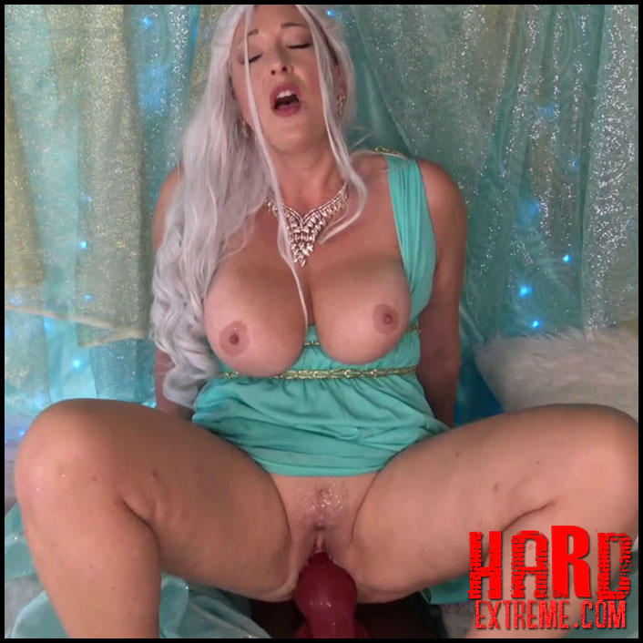 Busty dirty princess daenerys in her chambers – Full HD ...