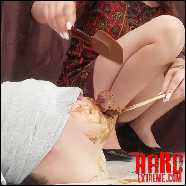 MilanaSmelly - Rapid swallowing of female shit without chewing