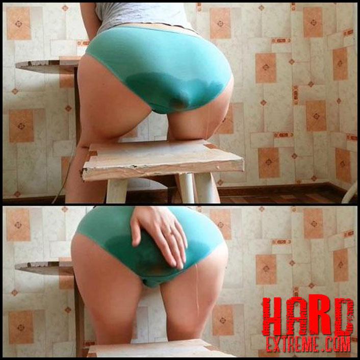 panty poop girls