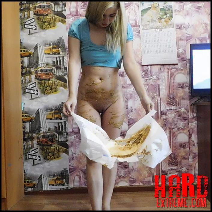 KatyaKASS - Smear of poop and dance