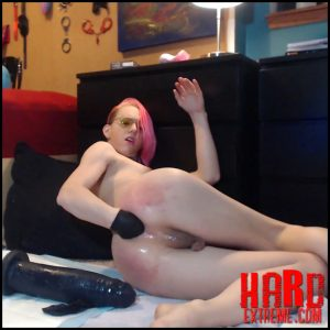 Beaten and Stretched Fembitch Booty – FFKitty – Shemale Fisting, Tranny Fist