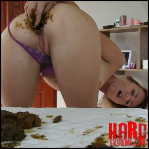 Shitty, Dirty Butt Plug Fun In Gstring Farting – MissAnja – Pooping Girls