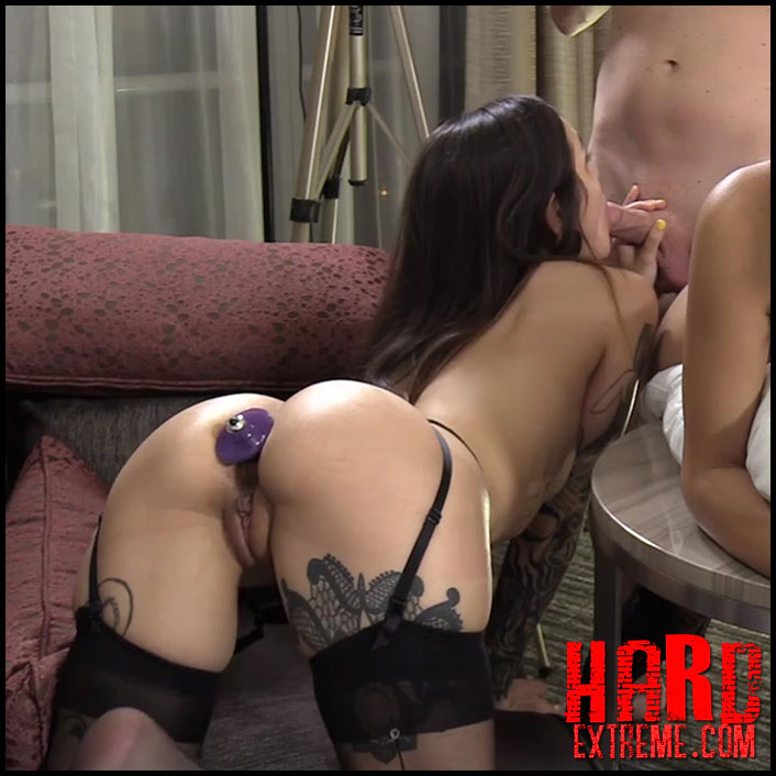 Free dildo fucking double penetration
