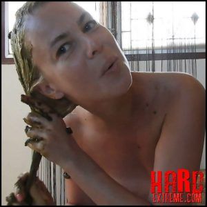 Sensual Scat Smearing On My Blonde Hair – MissAnja – Amateurs Scat